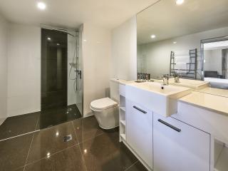 Ocean View Exec Bathroom