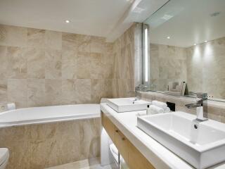 King Terrace Suite - Bathroom