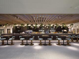 Garden Kitchen & Bar - Indoor Bar